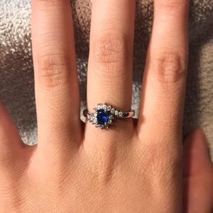 Gorgeous Size 7 Blue Ring